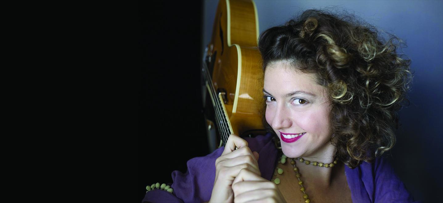 background SARAH QUINTANA solo - Jazz Sur La Ville